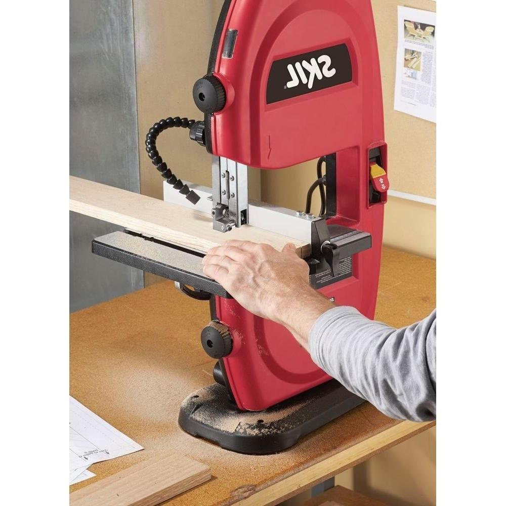 2.5 Amp Electric 9 Portable Saw with Built-In - Skil